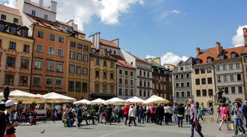 Refundacja na remont zabytków, zdjęcie przedstawiające warszawski rynek