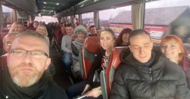 Grzegorz Braun jedzie na Marsz Wolności